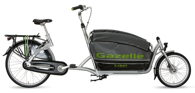 Gazelle's Cabby bakfiets has a foldable front basket, which makes storage and parking easier.