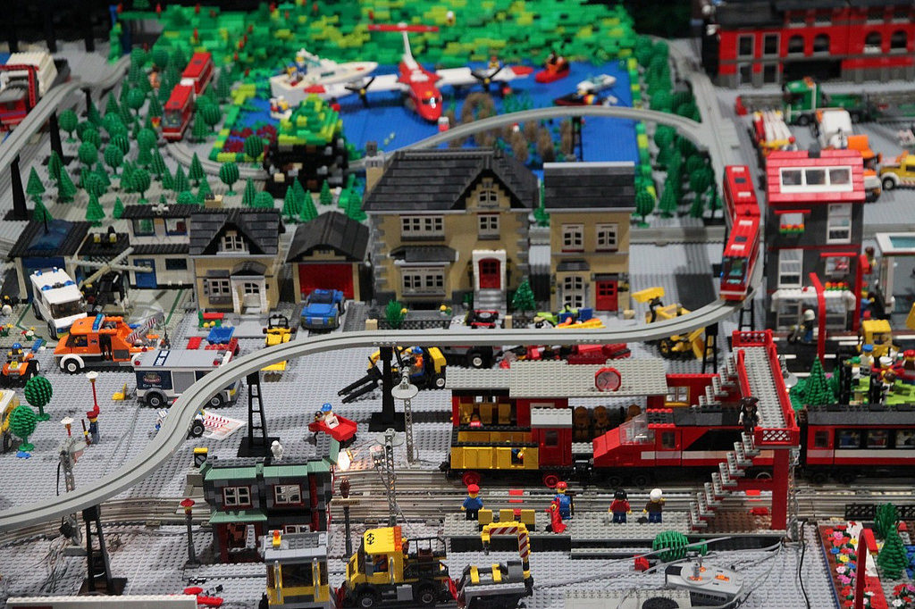 There are several large-scale models to enjoy (photo by Brickset, CC BY).